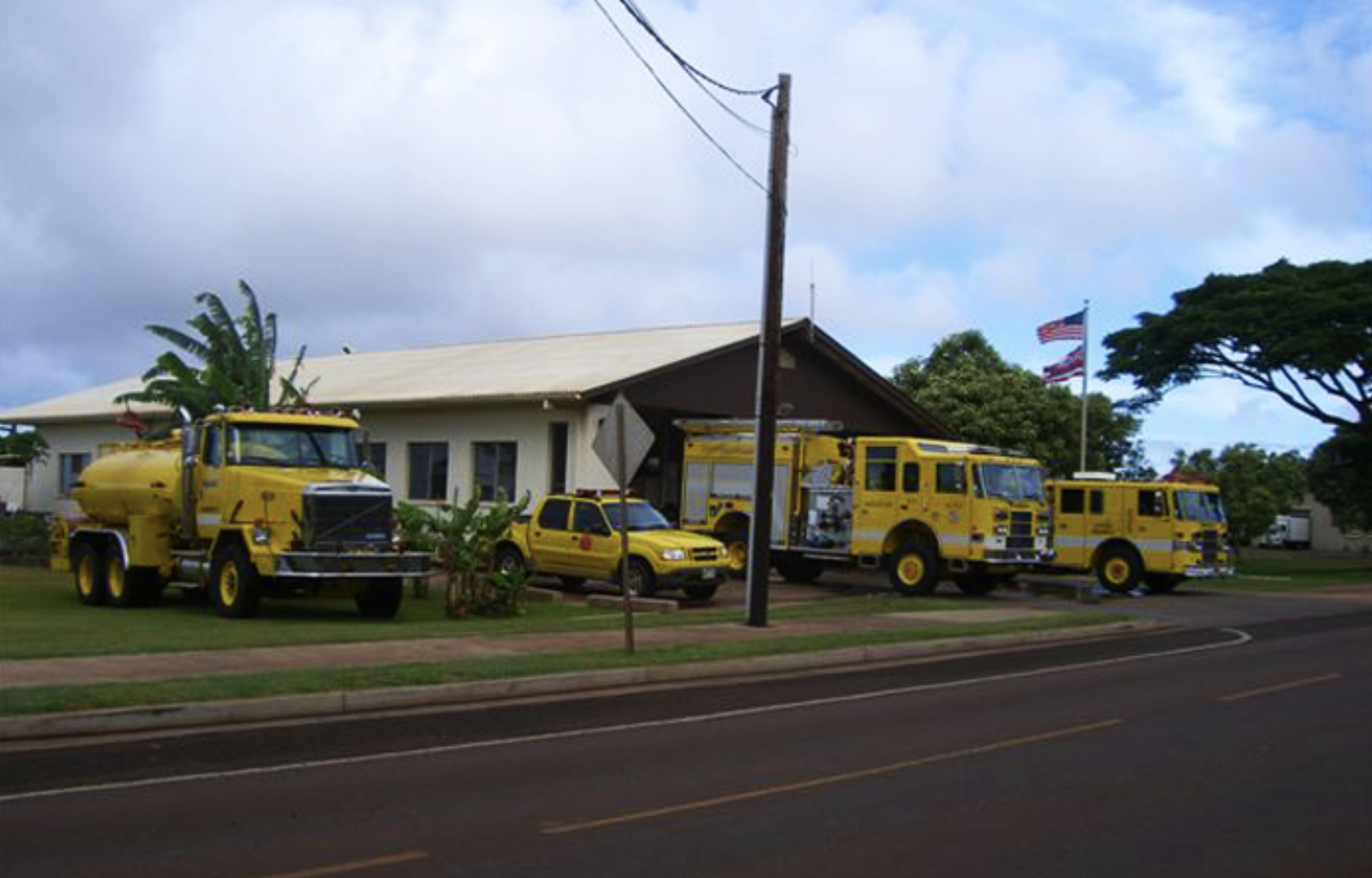 Brush Fire Burns 1.5 Acres Near Lāna'i Airport