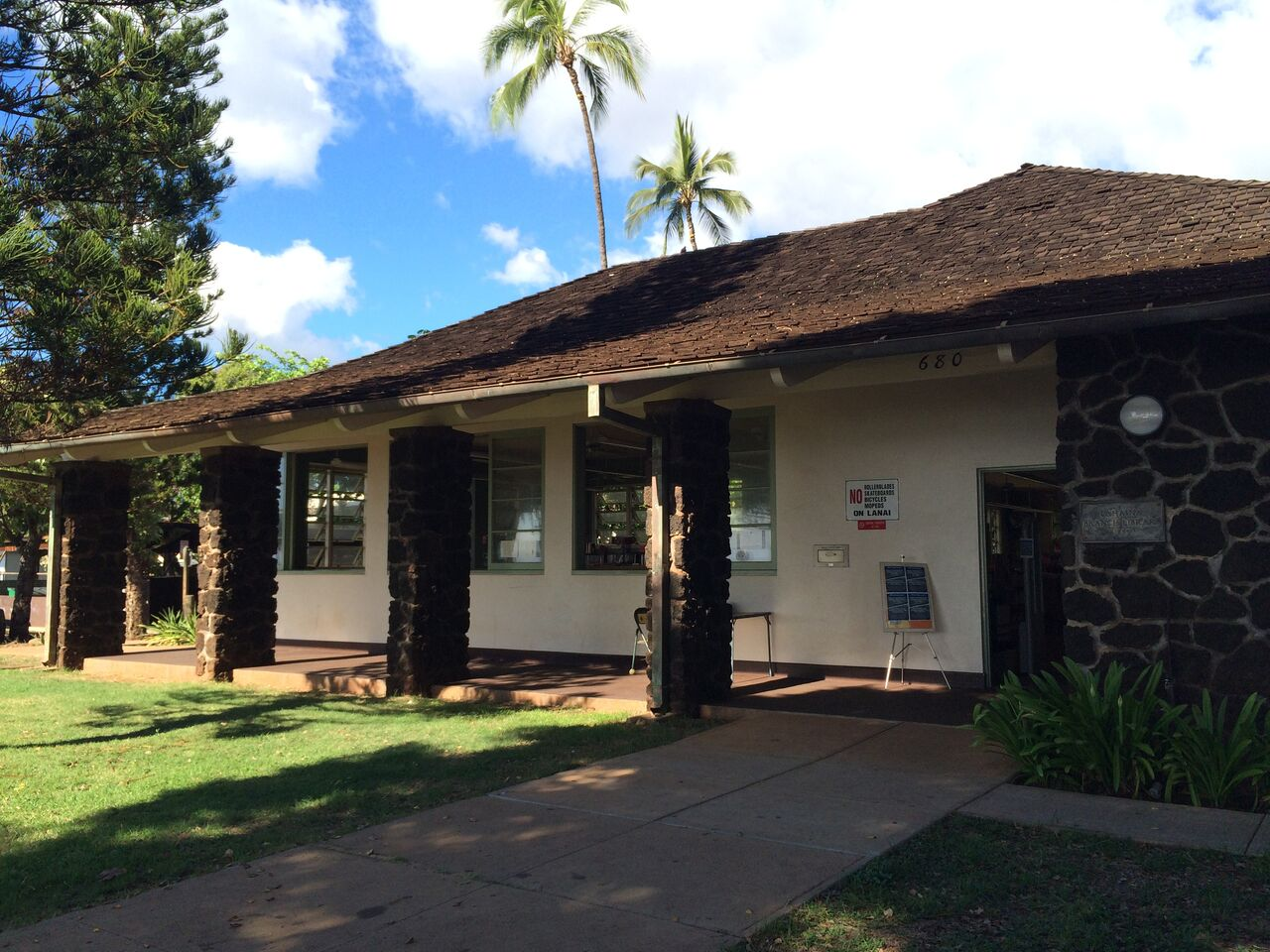 Lahaina Public Library Temporarily Closed After Employee Tests Positive for COVID-19