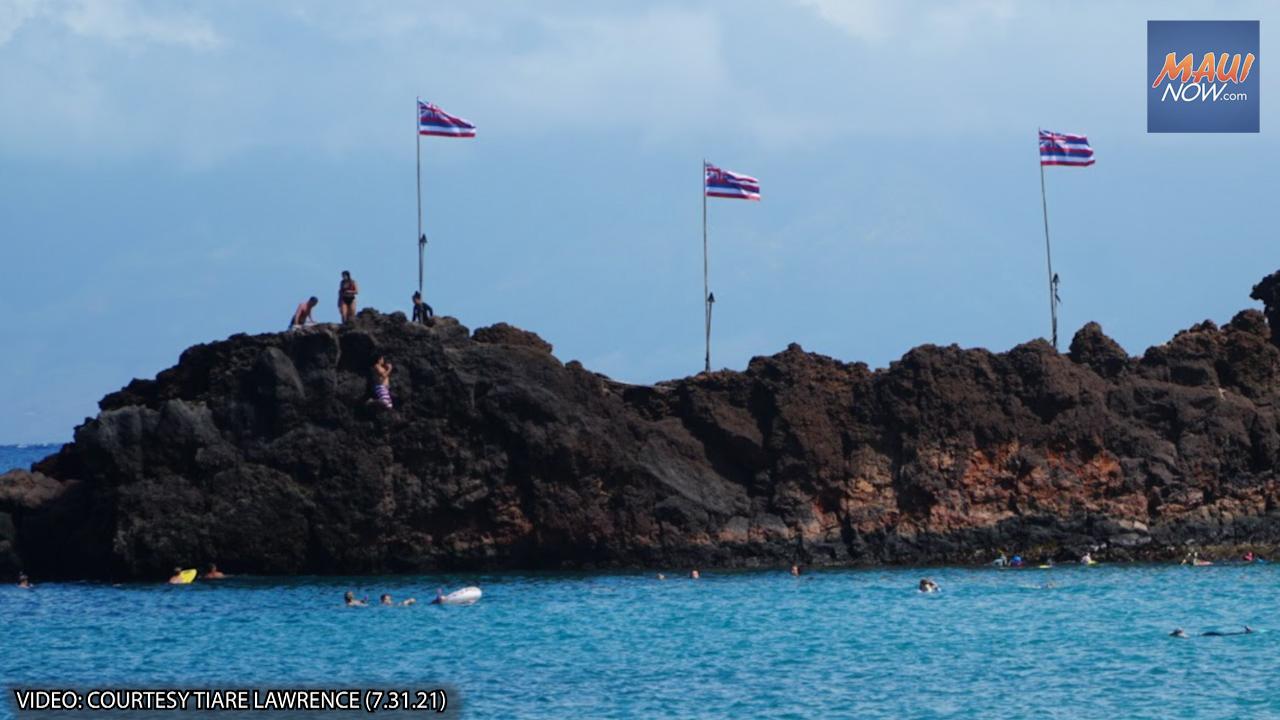 Lā Hoʻihoʻi Ea, Celebrated on Maui with Memorial Paddle Out