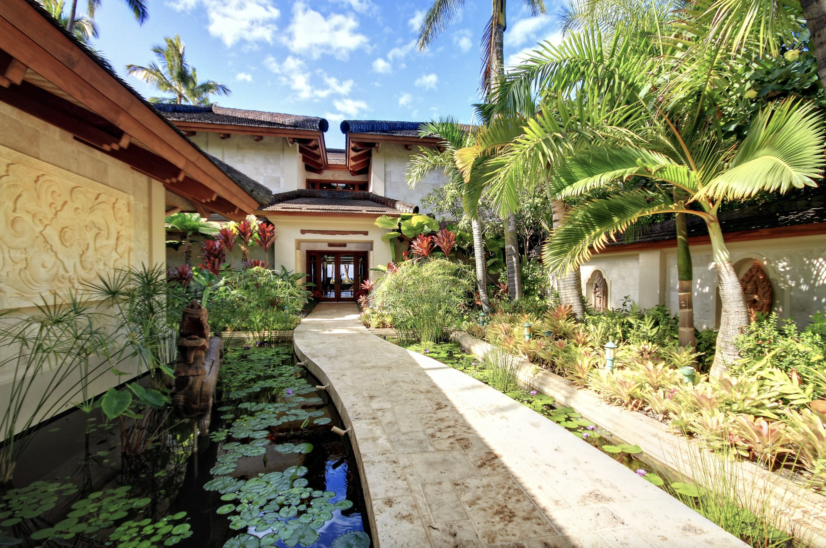 Keawakapu Home Listed at $38M as Neighboring Property Sells for $45M, Highest on Record