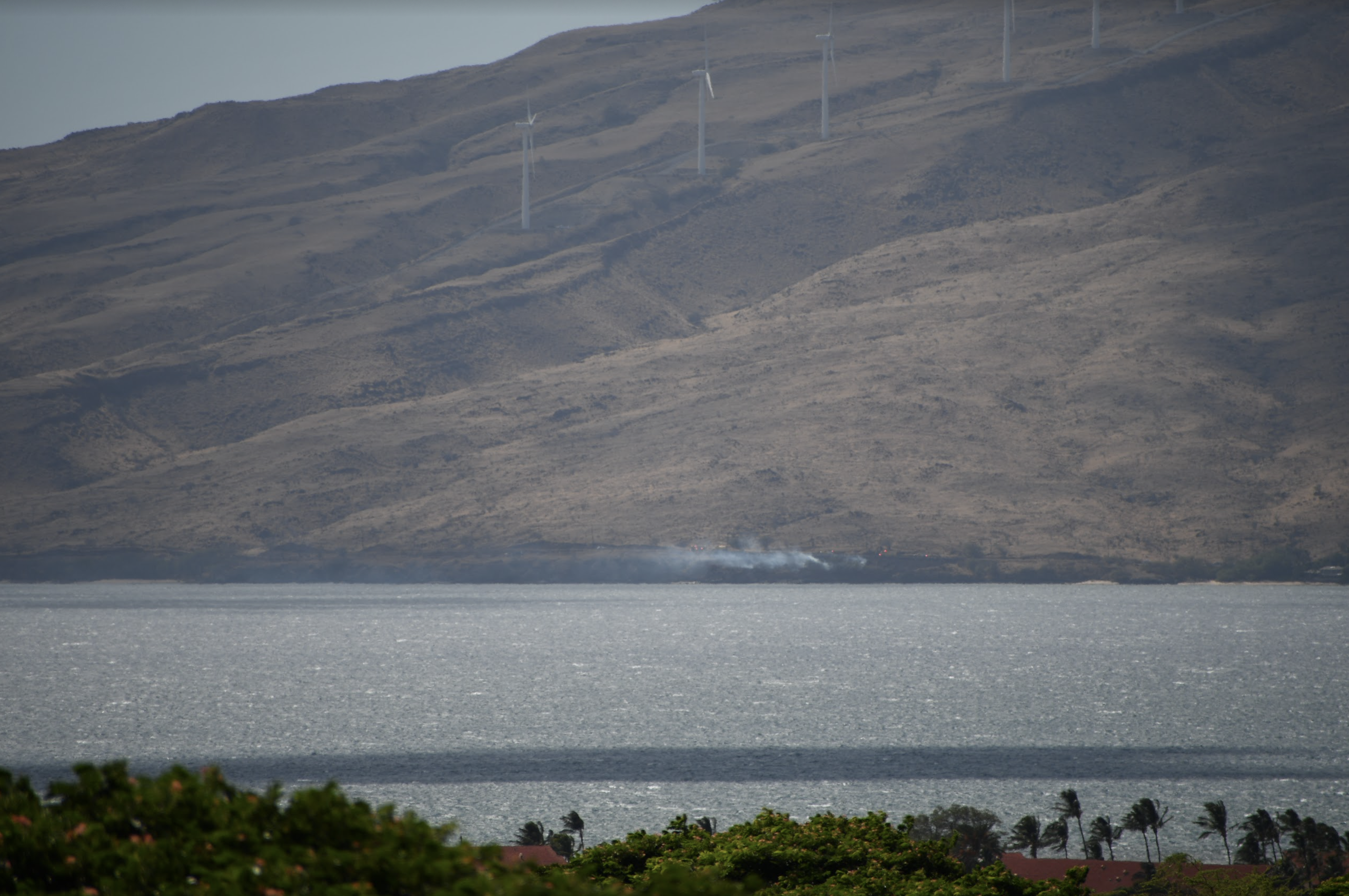 Honoapi'ilani Highway Now OPEN in Mā'alaea, One Acre Brush Fire Extinguished