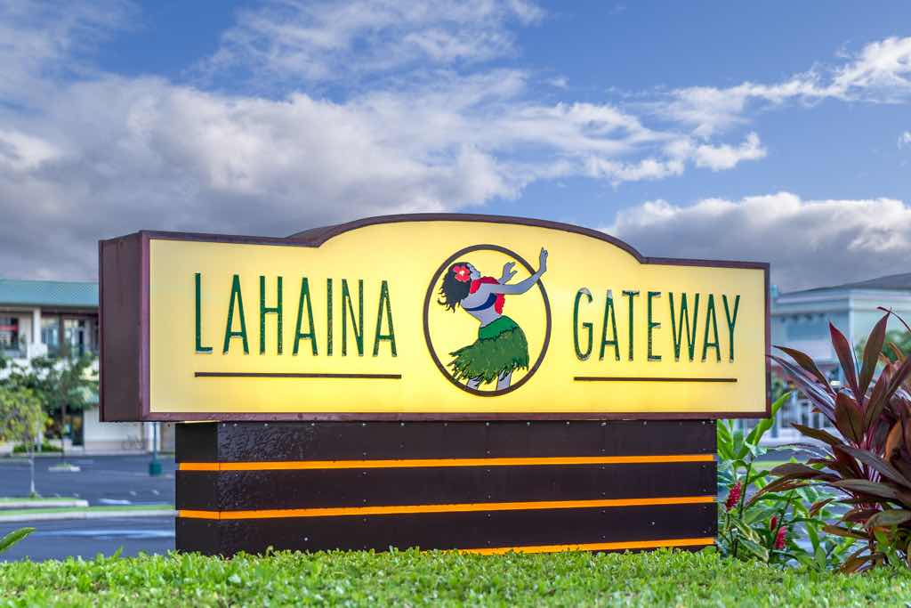 """Outdoor Dining at Lahaina Gateway Tailors to """"Safer Outside"""" Initiative"""