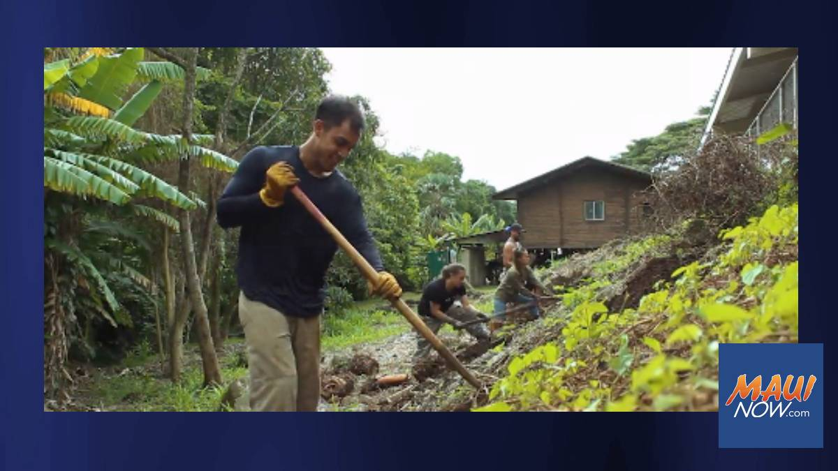 Kupu 'Āina Corps Wins $15,000 in Bank's Strong Communities Award