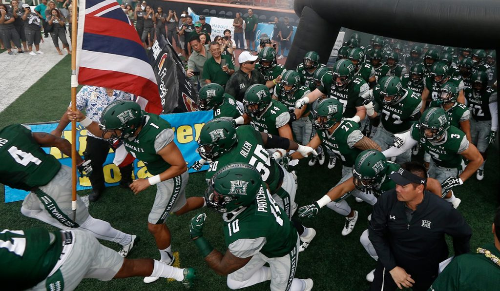 UH Sports Fans Welcomed Back to Mānoa Campus -- With COVID-19 Vaccination